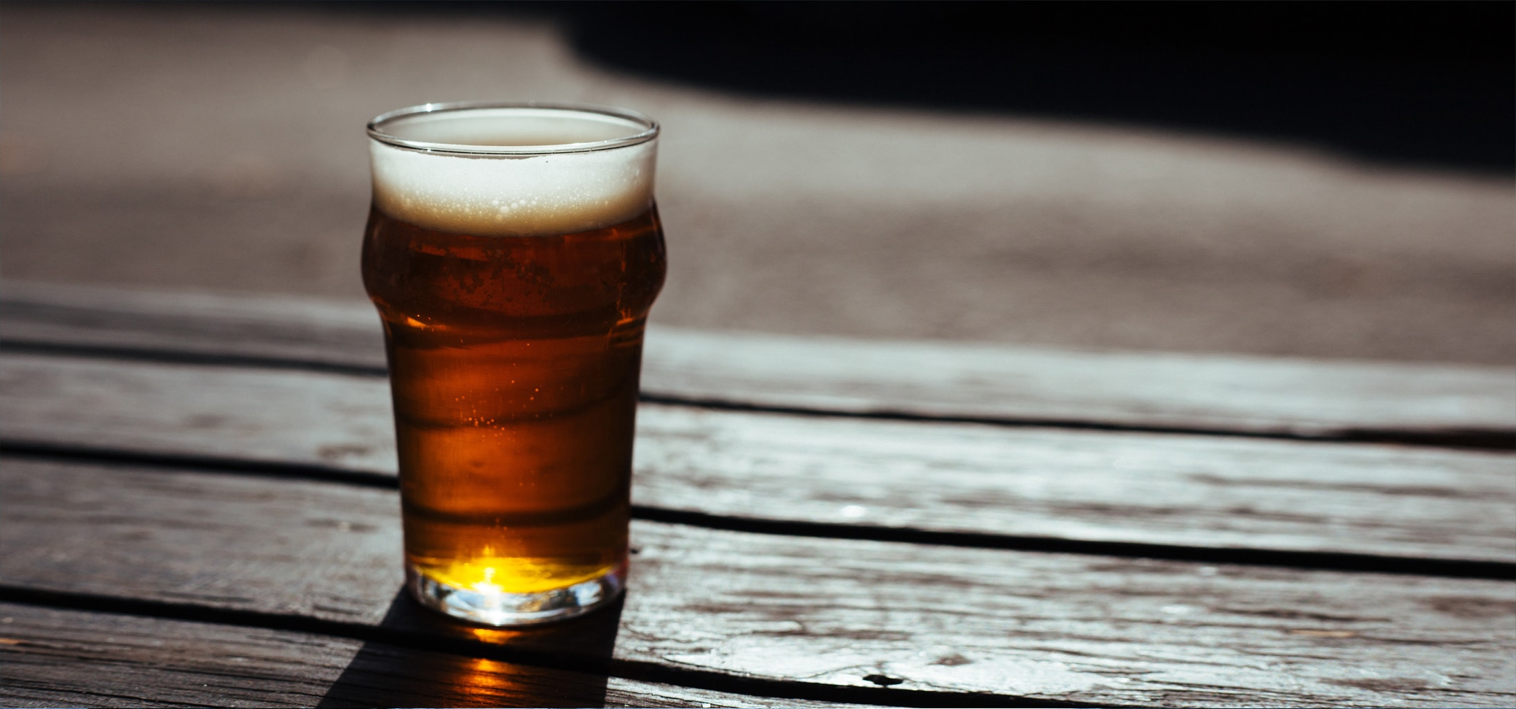Verre d'une bière normande